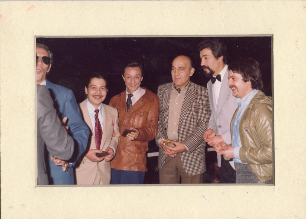 José Grandio (2º drcha) en un Homenaje de la Federación Gallega de Boxeo a Idolos de Ayer. Entre otros Barral,Carlos Anaya, Ferrín, Fernando Castro.
