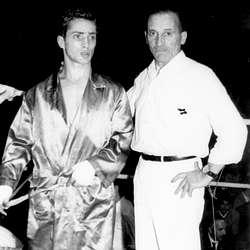 MONCHO CASAL y su preparador JOSÉ VIDAL. Foto arhivo boxeodemedianoche