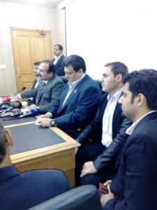 Jose Sulaiman y Luciano Planas, flanqueados por el ministro de deportes y el gobernador Peshawar.