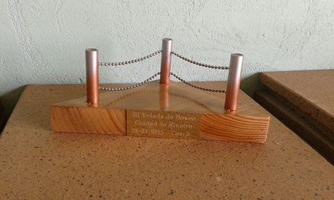 Reproducción del original trofeo que recibirán los entrenadores. foto cortesía E. B. El Canario.