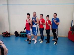 Javi Fernandez, Juan Rey, Lorea Murgoitio, Rocio Suarez y Santiago con sus respectivas medallas.