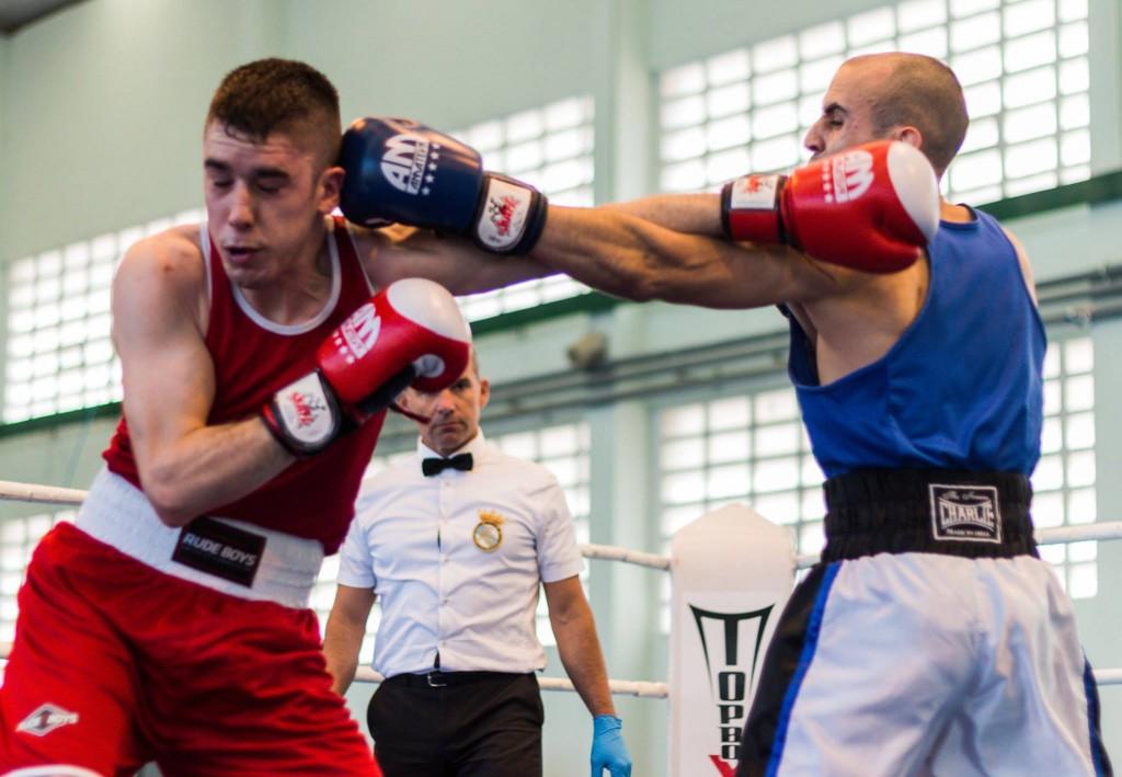Pablo Nuñez, flamante Campeón Gallego, inició el resurgir del boxeo en el Kickboxing Valdeorras. foto Juan del Rio