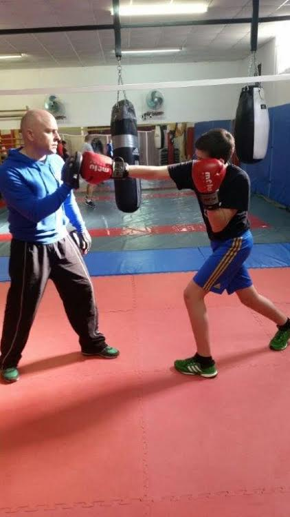 El junior Felipe Morales represente el futuro, a corto plazo, del boxeo de Valdeorras.