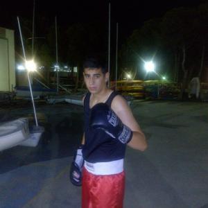 El jovencísimo púgil del club Caneiros Iago Fernández tratará de conseguir una nueva medalla de Oro.