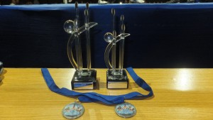 Detalle de los trofeos Copa Diputación da Coruña entregado a los participantes.