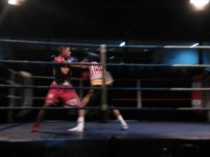 El pupilo de Francisco Amoedo , con calzón rojo, Aziz se impuso por puntos a Trujillo