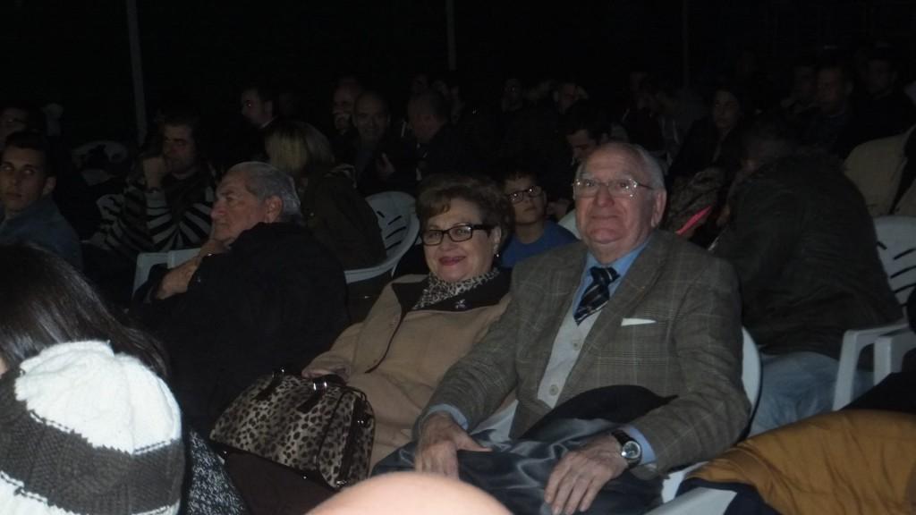 Don Luciano Planas acompañado de su esposa doña Marisa Otero era un asiduo de las veladas de boxeo. foto boxeodemedianoche
