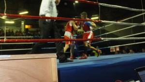 Imagen del grandioso combate entre Iron ( drcha.) y O ferro.
