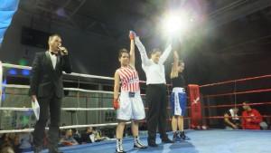 Tania Ledesma ( izda ) con la camiseta del Club Boxing Cidade de Lugo. fbm