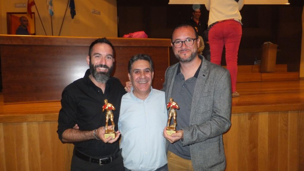 Los premios Ruben Martinez en Prensa escrita recayeron en La Voz de Galicia recogiendo el Galardon Pablo Gómez (izda) y el periodista Israel (drcha)