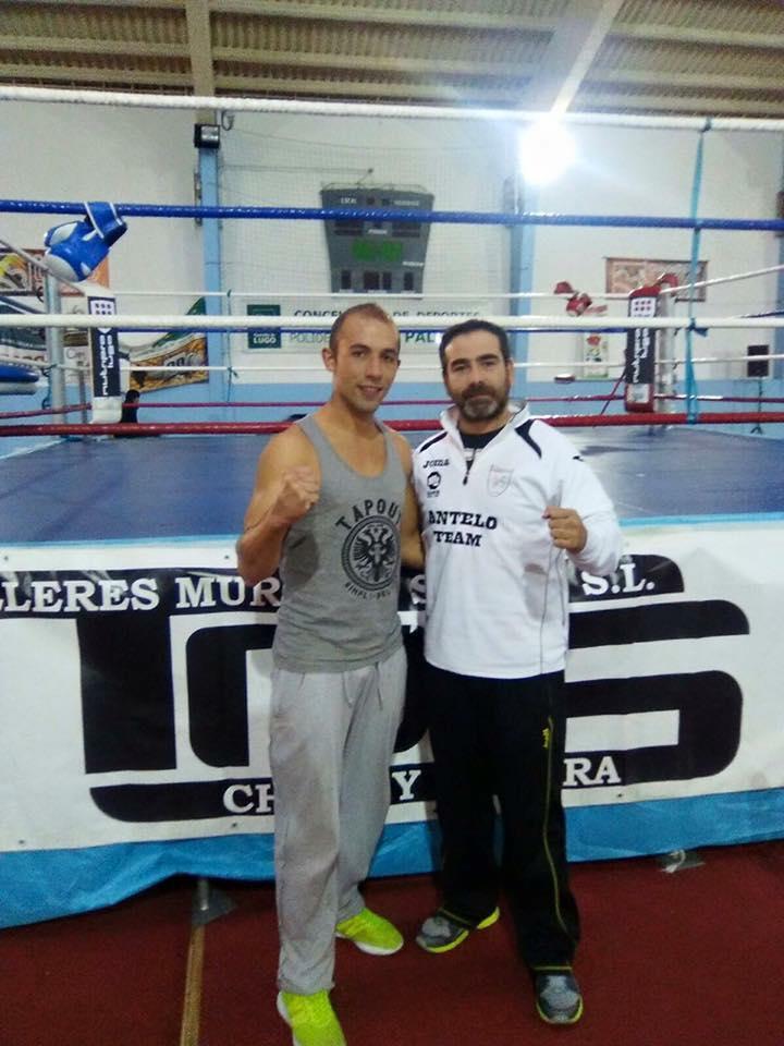 Ramiro Brey compite al KO , en la imagen con El Abuelo. foto cedida por Jose Antelo