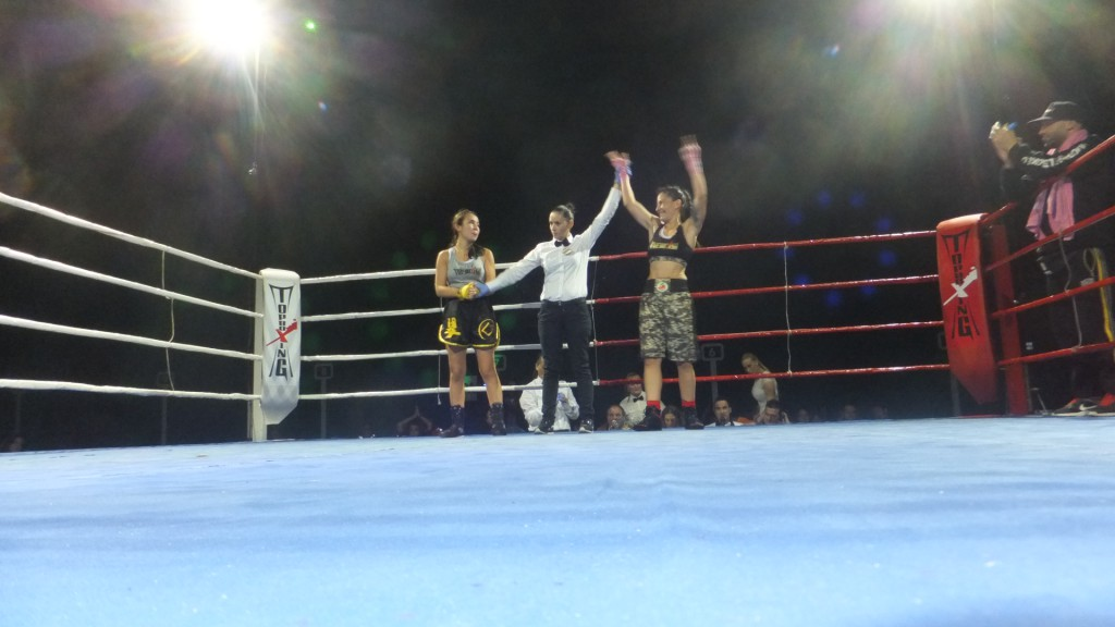 Fernández Paseiro dirigió el combate de la victoria de Ana Acebedo ante Lara Yañez
