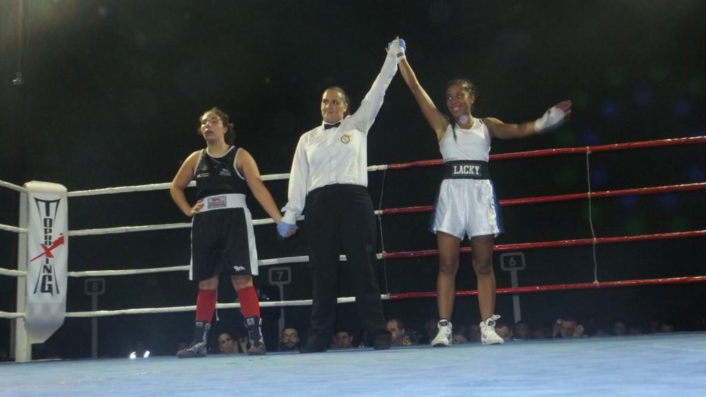 Sánchez Ramilo dirigió el el combate de la gran vitoria de Fani Mendes ante Susana Castro