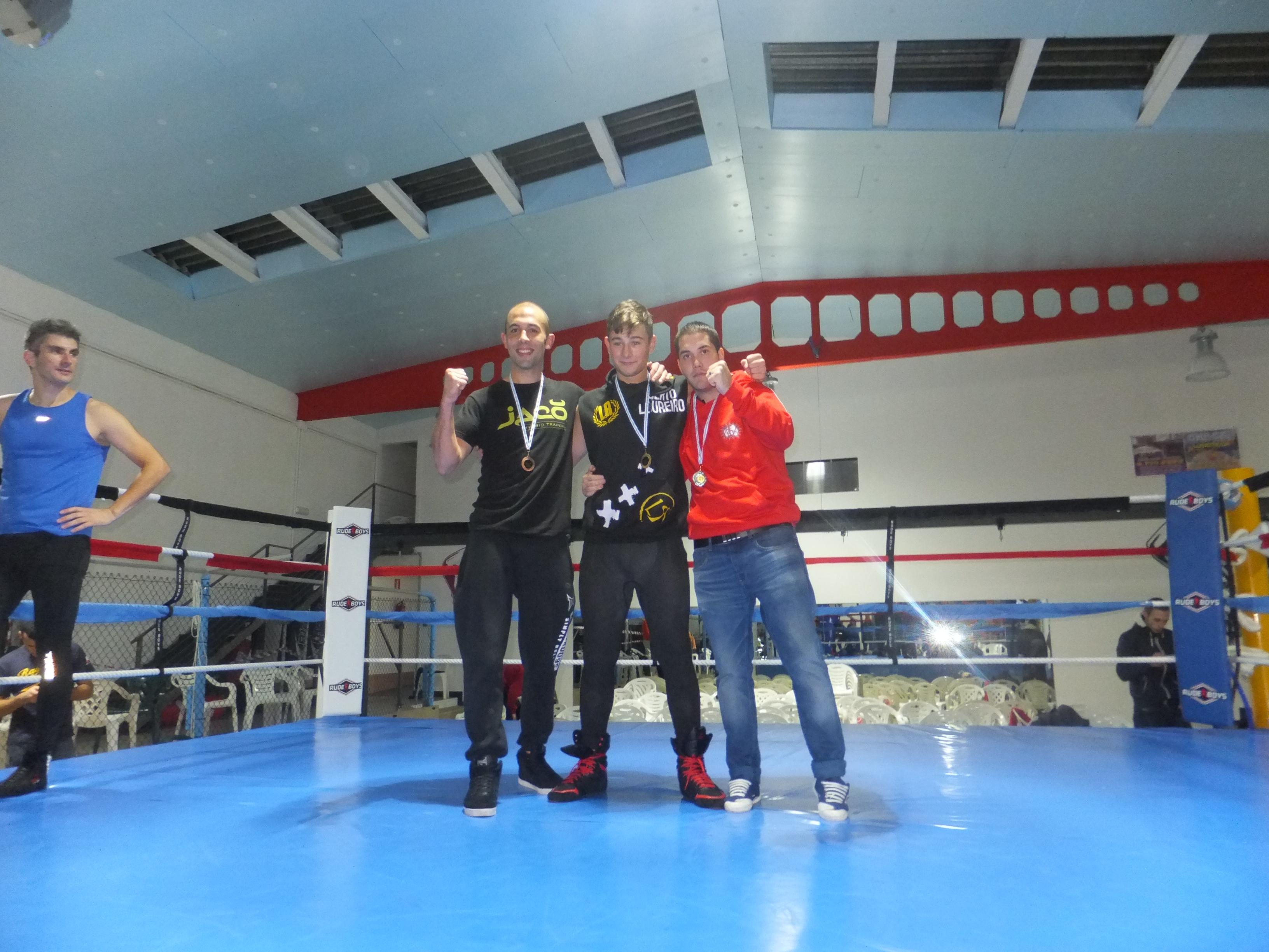 Alberto Loureiro, al centro, se proclamó Campeón Gallego de Savate. f bm