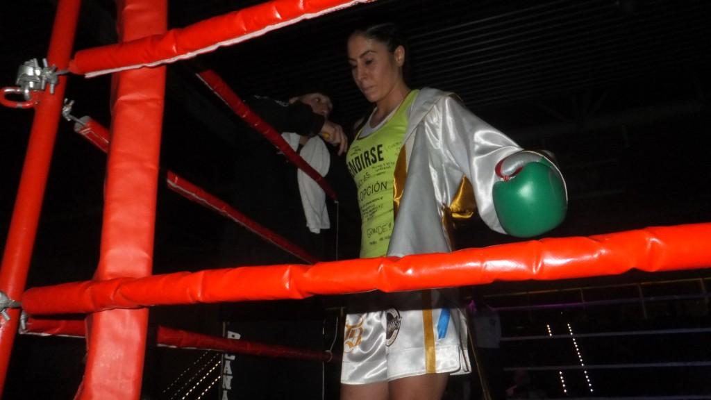 """Concentración ante el combate, Marta Brañas asistida por Fran """" Tuareg"""". f Bm"""