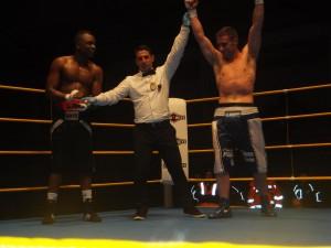 Alberto Piñeiro sumó su octava victoria en 8 combates. f bm