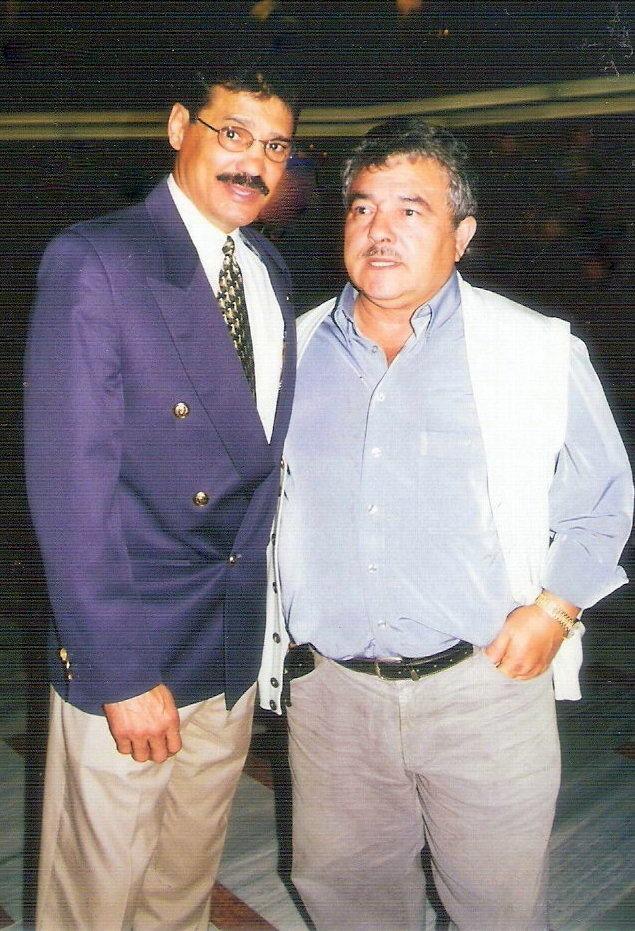 Ruben Moralejo Alcántara en imagen retrospectiva, con el varias veces campeón mundial Alexis Arguello.