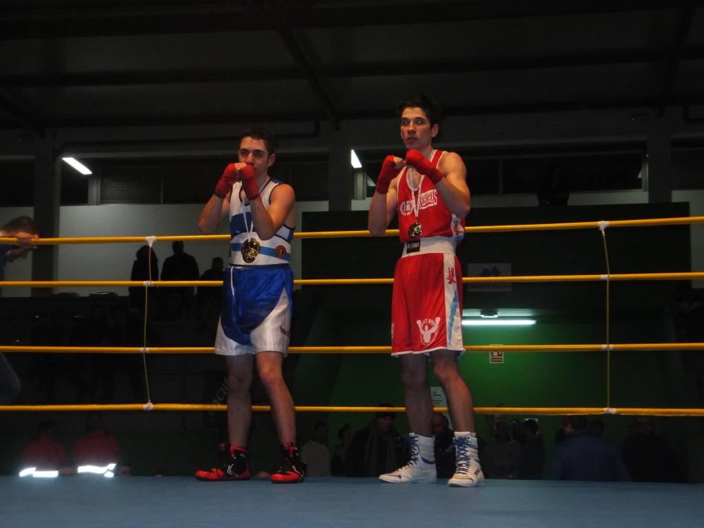 La reedicción del combate por la final de categoría joven entre ANTONIO MUÑIZ y JONATHAN RODRIGUEZ, abrirá el telón del acto final representativo de la fiesta del BOXEO GALLEGO.