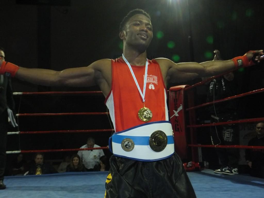 WILSON TABATRÉS Campeón en categoría de menos de 60 kilogramos.