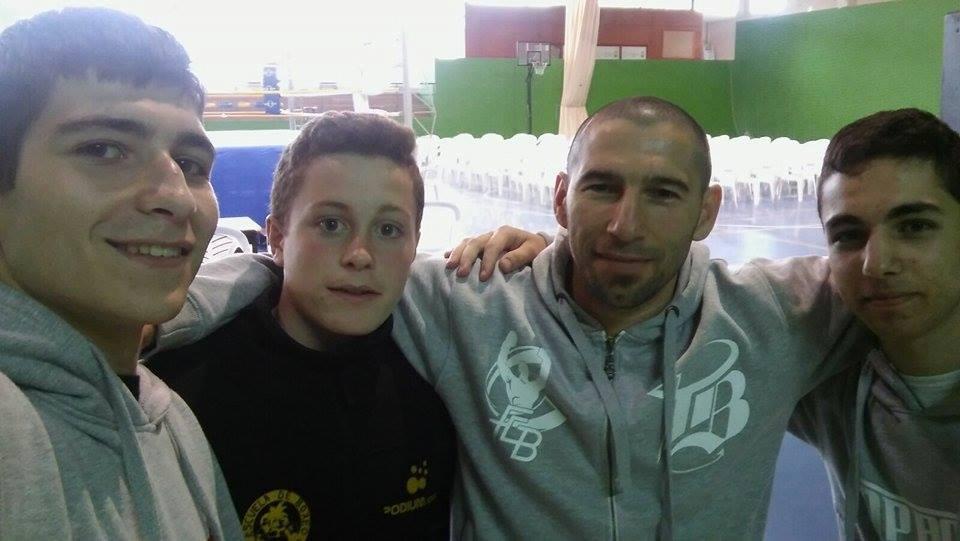 Israel BenitezZ, con sus alumnos Ruben Perez, Ángel Lopez Mayan Y Antonio Muñiz