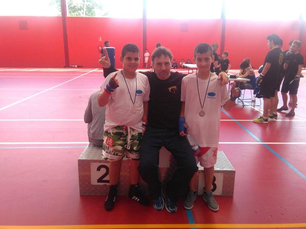 Los medallistas del MANIOTAS con ALFREDO BLANCO