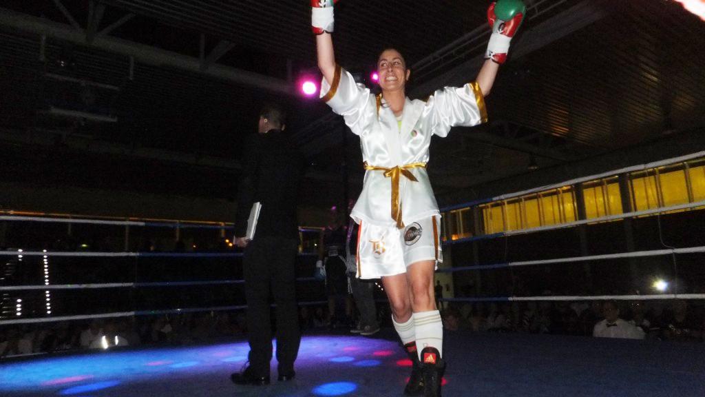 Marta Brañas Rumbo el día de su presentación como boxeadora profesional en el Pazo dos Deportes de Arteixo. Foto Barral