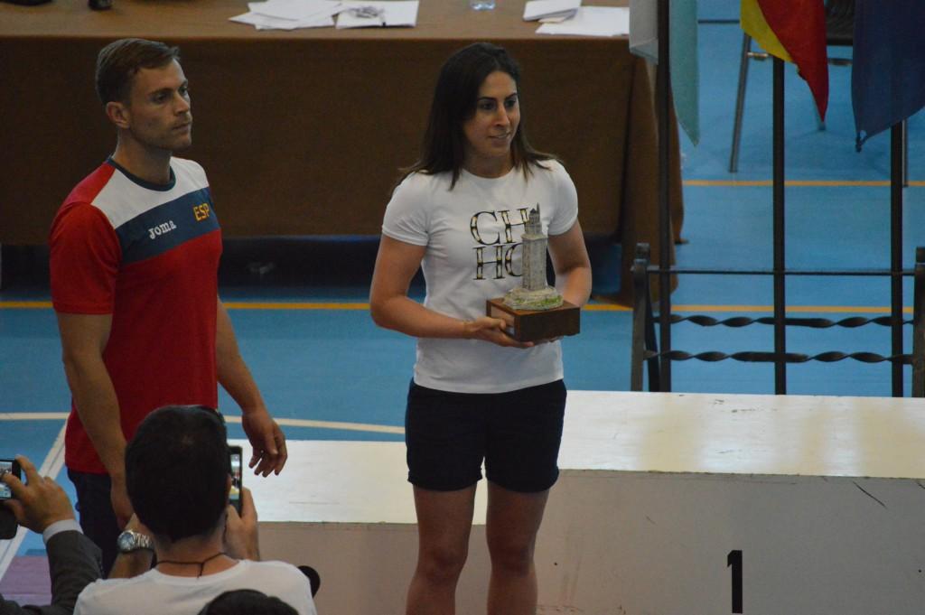 Marta Brañas, durante la entrega de trofeos de los campeonatos de España en Novo Mesoiro. Foto Juan Barral