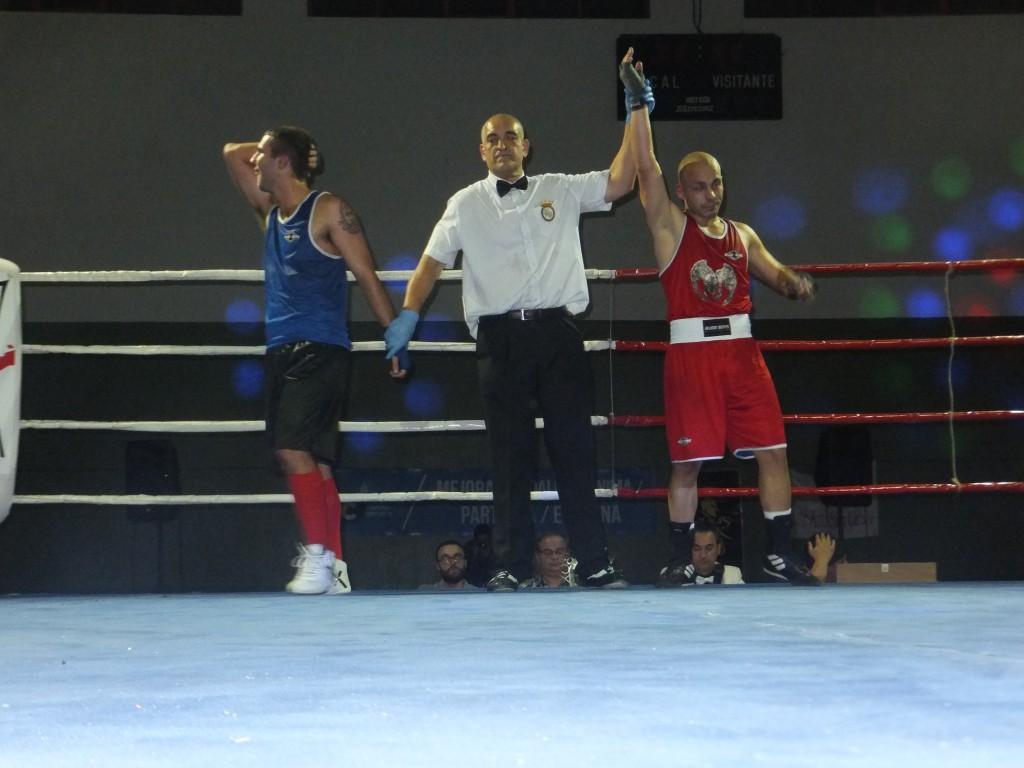 YERAY PÉREZ fue declarado vencedor sobre DIEGO CRUZ.