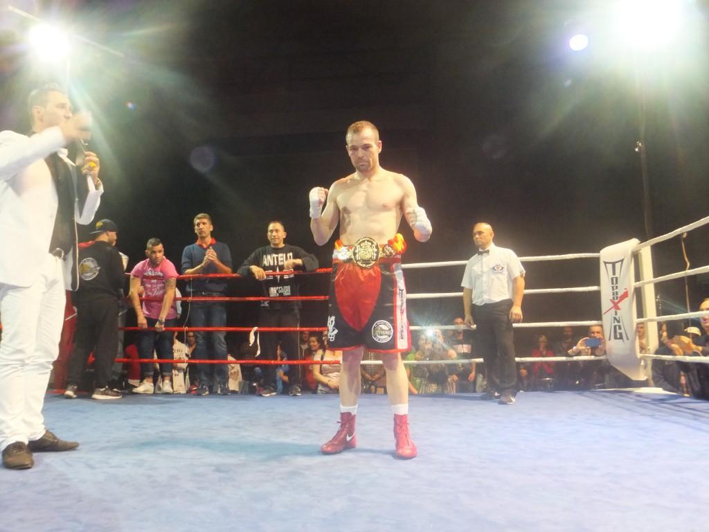 JOSÉ RAMÓN MIRAS LAGO con su primer Cinturón Nacional