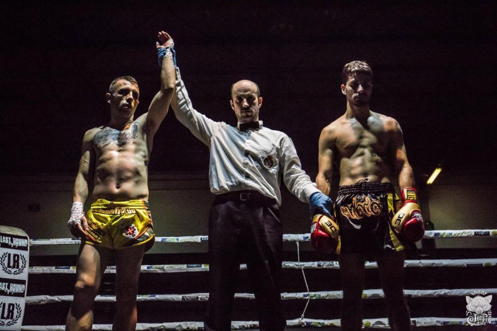 Contundente resultó el triunfo del campeón europeo TITO MACIAS. Foto LOLO LÓPEZ VILA