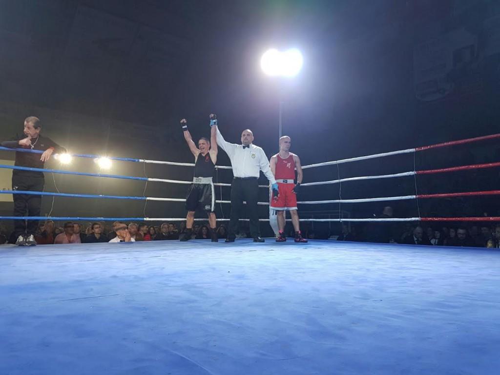 El pupilo de Lelo Acea Ricardo Herrero se impuso a Mario Peleteiro. fot Alex Barral