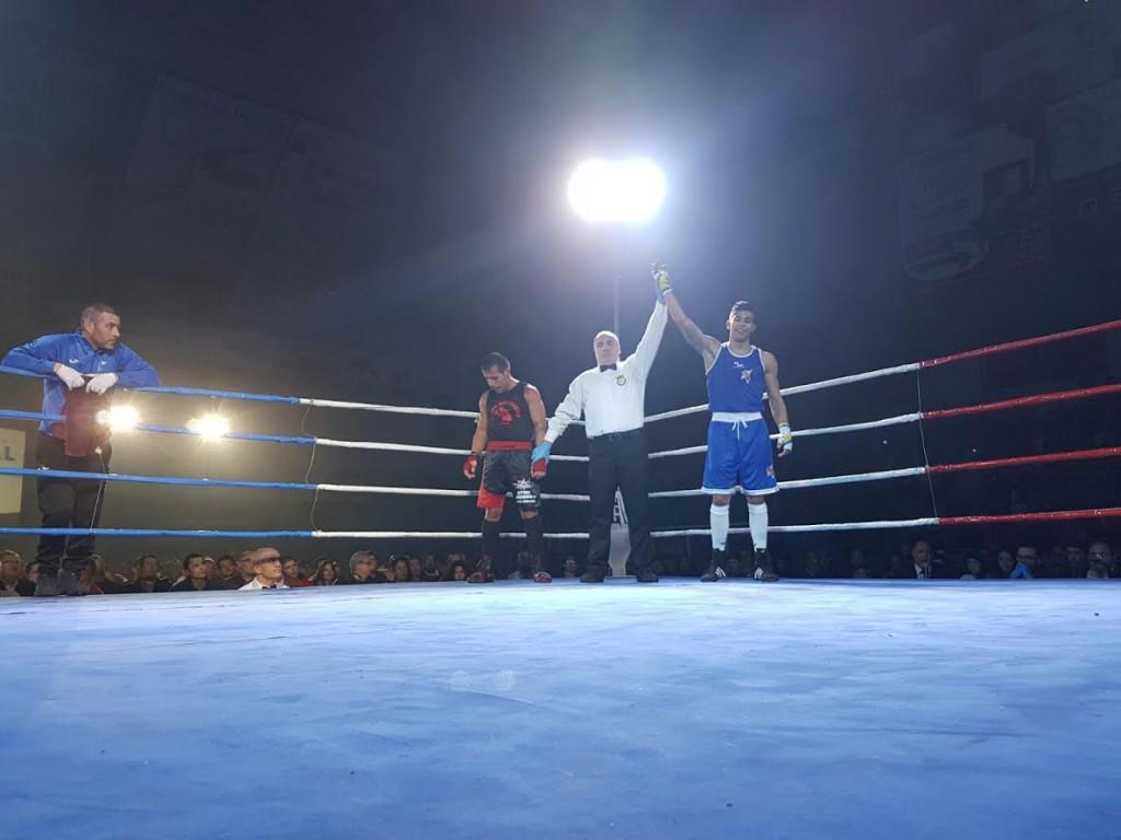 Adrian Fumero impidió que Josito Fernandez dedicara el triunfo a sus incondicionales. foto Alex Barral
