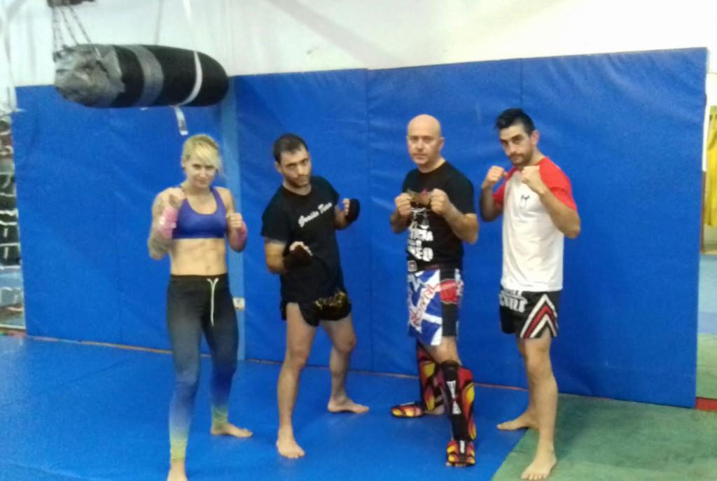 Annabel Suárez, Javier Carriba, el organizador Jua J. Pardo y J. manuel Tato (izda a dcha) foto Kickboxing Valdeorras.