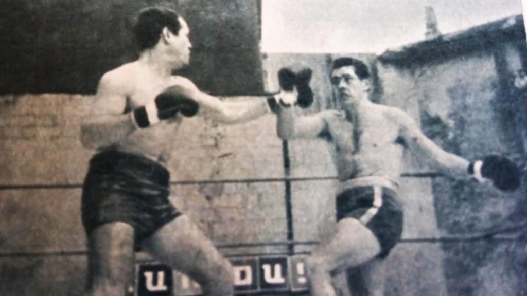 FRED GALIANA obtuvo títulos de España en diferentes pesos. Esta foto de la revista BOXEO corresponde a su victoria por abandono de Romaniega por el entorchado welter. colección boxeodemedianoche.