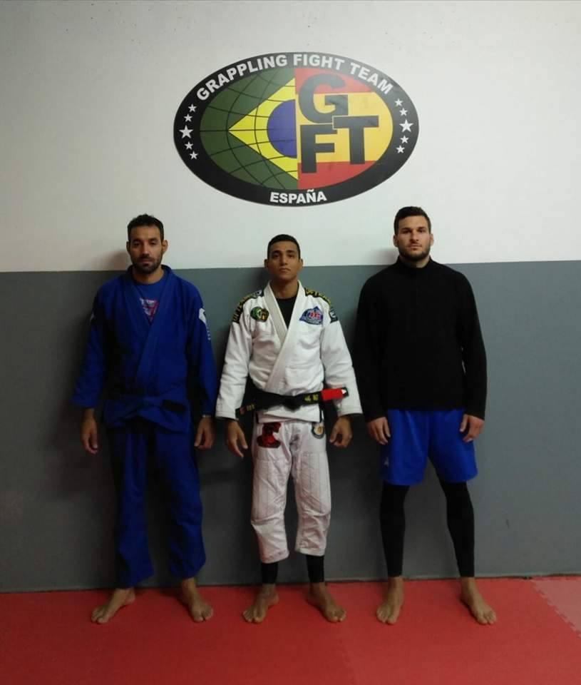 De izquierda a derecha Tiago Mendoca,