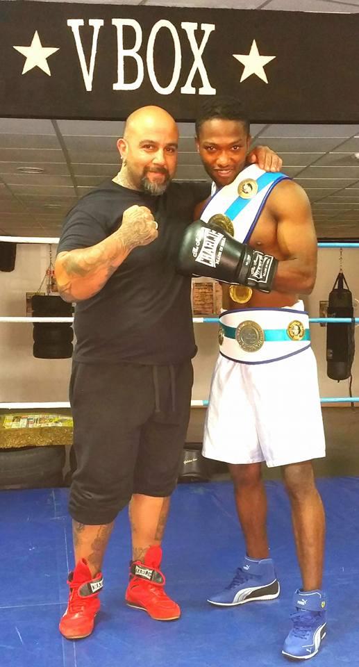 """Wilson """" Will Wen """" Tavares con llos 2 Cinturones y madallas de Oro que le conceden el augurio de ser uno de los boxeadores de la actualidad con mayor proyección futura dentro del boxeo, a poco que disponga de un patrocinio."""