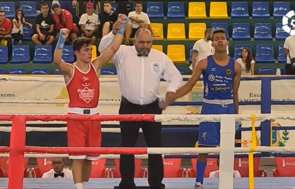 El púgil del Club de Lucha Noia no obtuvo el reconocimiento arbitral en su debut en los nacionales. foto LaLiga4Sports
