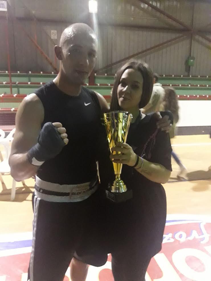 Ramiro Brey Loureiro fue el gran triunfador de la noche del boxeo en A Estrada, en sus facetas de competidor y organizador. Cedida