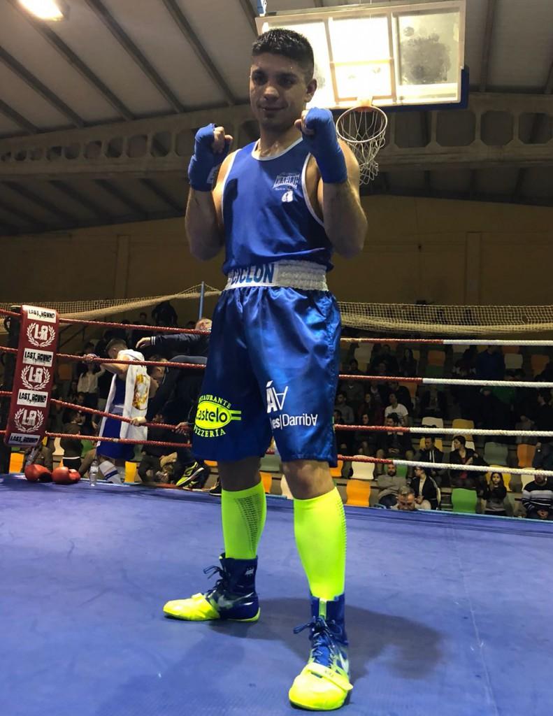 El emblemático púgil del Sagabox Alex Barros Sobral ofreció una gran exhibició de boxeo ante el Luso Pedro Ribeiro. foto cortesía de Rafa Gil.
