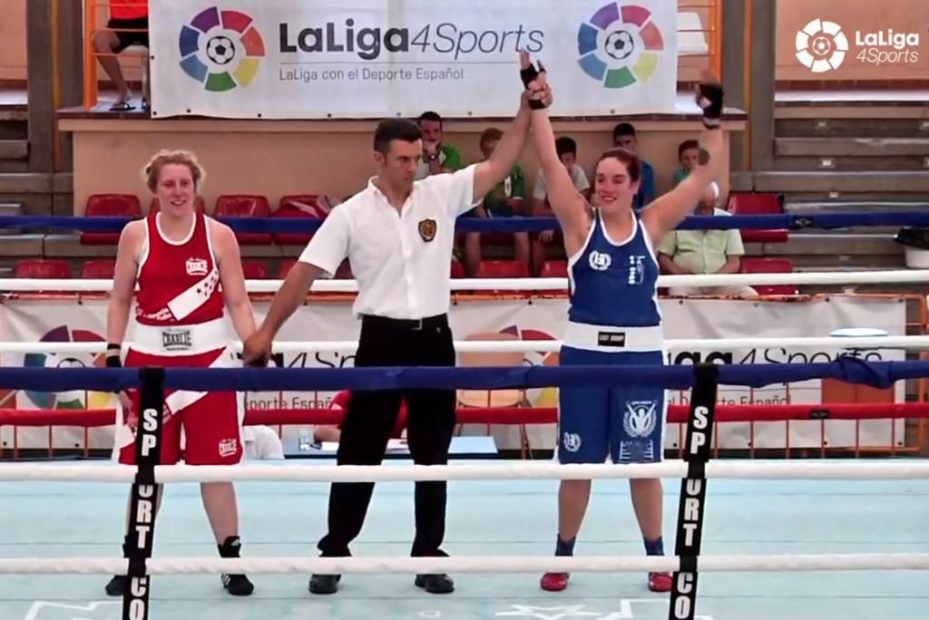 Olga barros sorprendió con su solvencia boxística ante