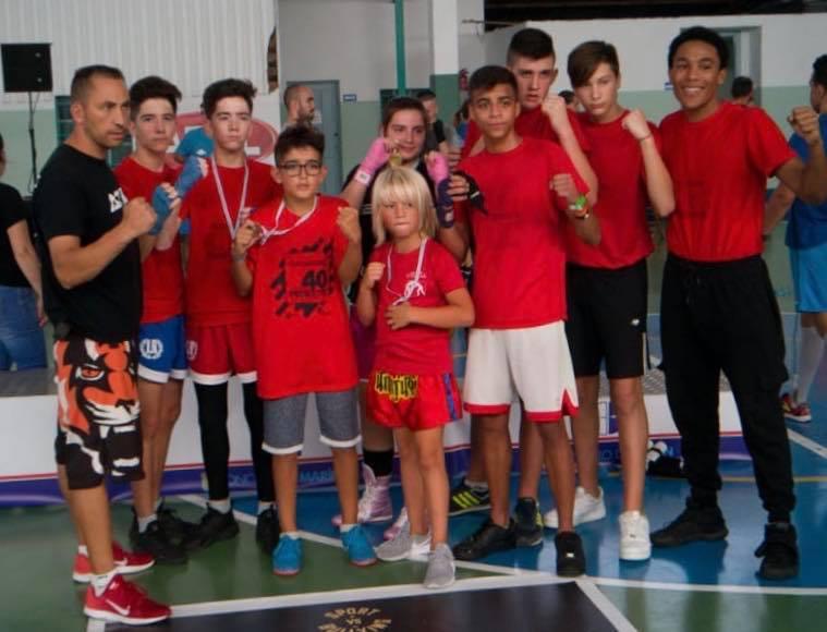 Participantes del Antelo Team en el Circuito de formas en Marín. foto crtesía de José Antelo