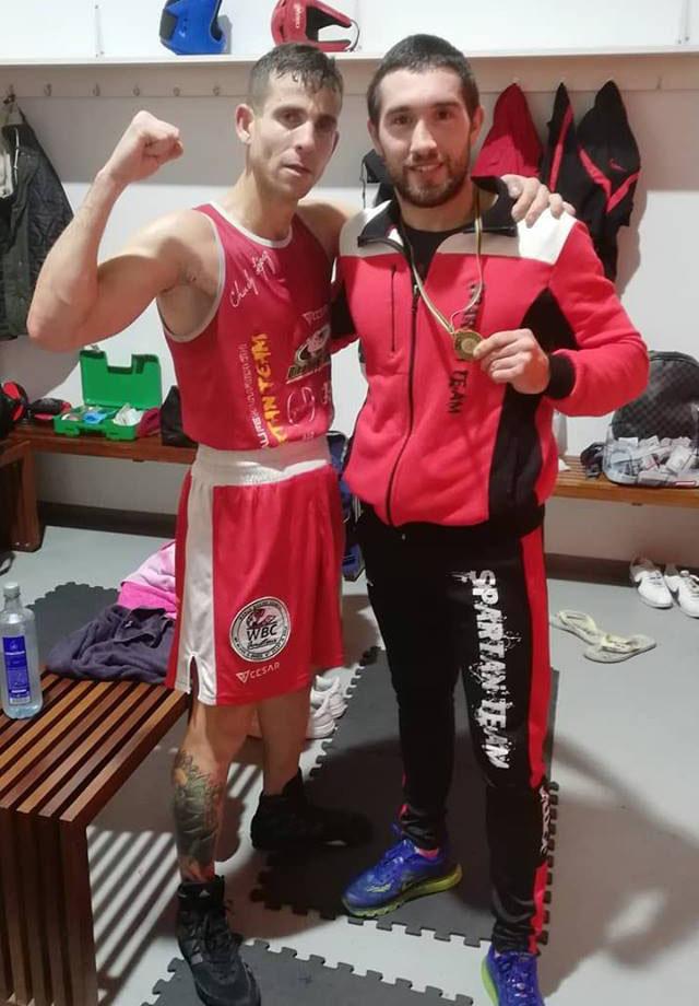 Wilder Betancourth se proclamó Campeón Gallegos de Promesas. Con su  entrenador Charly López. Cedida