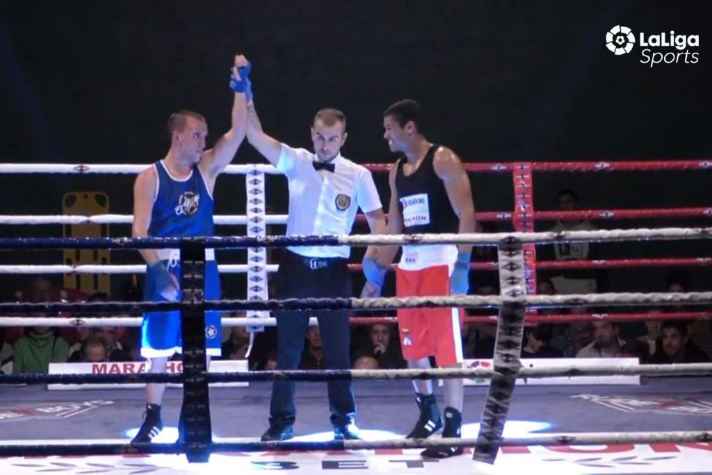 Aran Cruz sigue aumentando su prestigio boxístico con un nuevo triunfo en la MarathónBet. Comentó que espera seguir acumulando combates y espera acudir a Tenerife y Valladolid con el equipo de los Guerreros. Imagen de LaLiga4Sports.