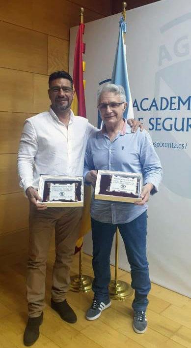 Carlos Conde y Manuel Míguez. Maestro y discípulo. Dos generaciones de los guantes. Dos Menciones de Honor  del boxeo gallego. foto cedida.