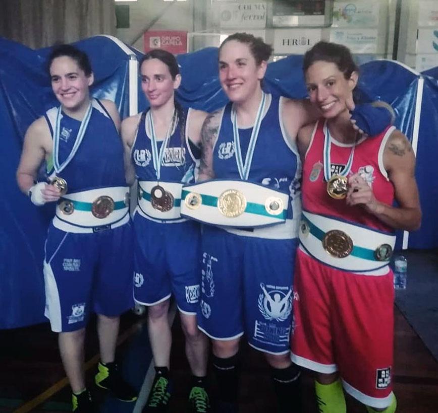 Póquer de Damas del Boxeo Femenino gallego, desde la izquierda, Zaira Corchero, Olga Vázquez, Christine Oya y Lorea Murgoitio. Foto cedida.