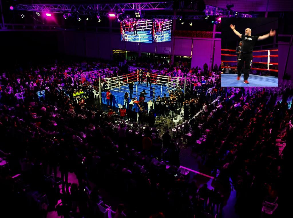 En sobreimpresión, la imagen del promotor Luis Suarez Santos aclamado por la multitudinaria audiencia de noche de Titanes II. Foto cortesía de Azteca Eventos.